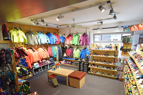 Shoes & sports shop